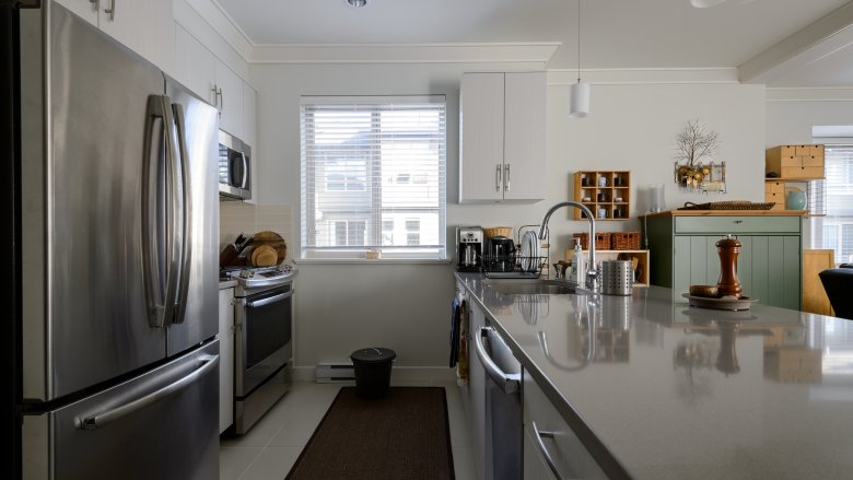 Shining stainless steel appliances - upload article