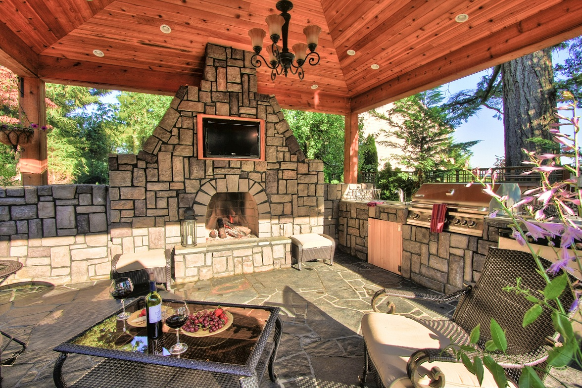 custom-made-Outdoor-Kitchen