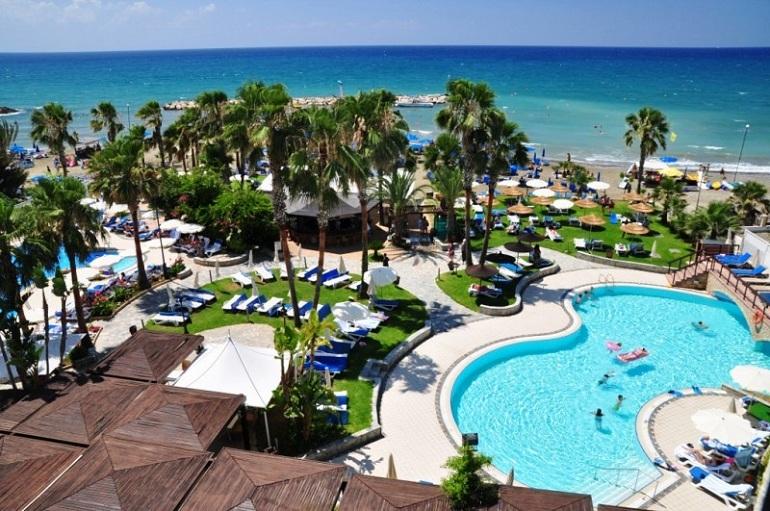 Rock Beach Hotel