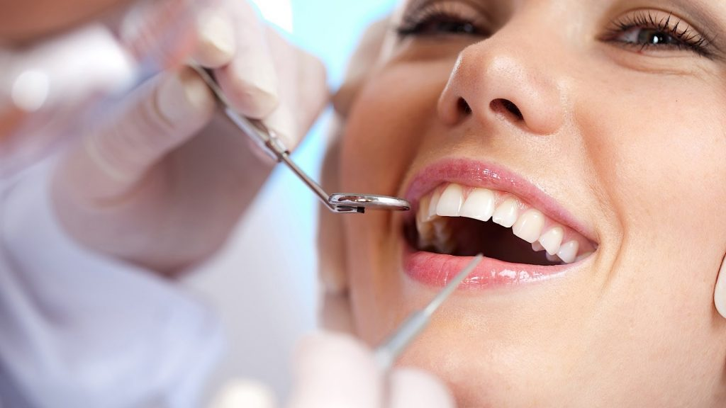Teeth care in adults