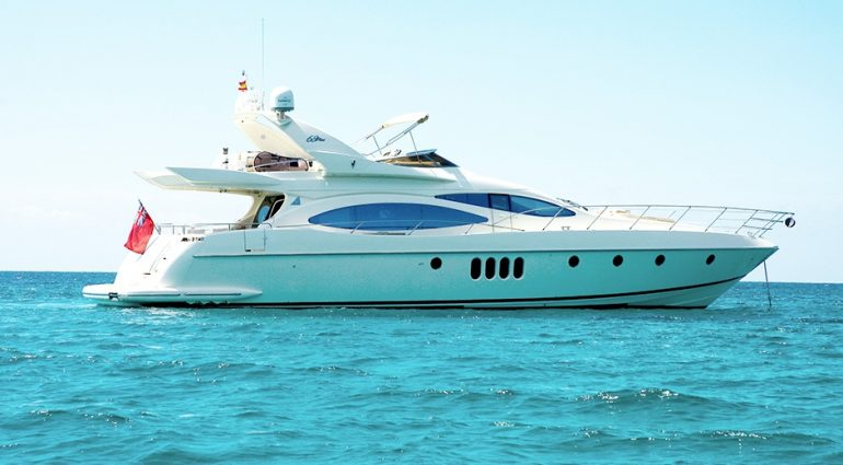 Enjoy Your Grandeur with Luxury Yacht Charter