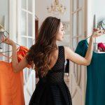 women choose clothes
