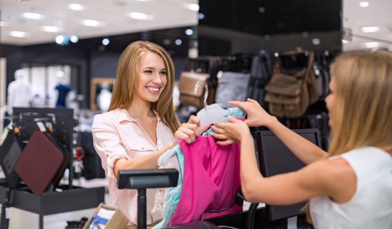 Follow These Tips for Looking Great and Fabulous on a Budget Clothes Shopping