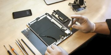 iPhone Repair Shop in Edinburgh Fix a Damaged Motherboard