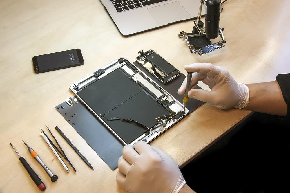iPhone Repair Shop in Edinburgh Fix a Damaged Motherboard