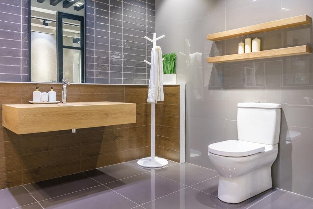 small bthroom Toilet