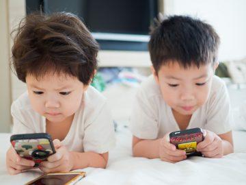 Smart kids Smartphones