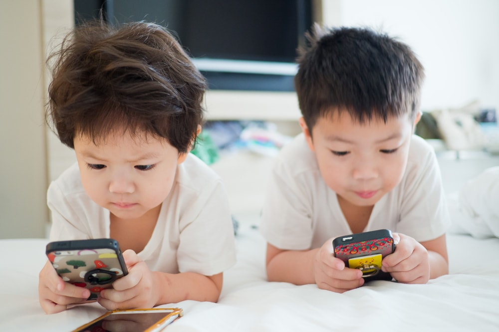 Smart kids and their Smartphones