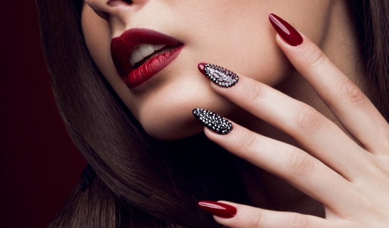 Three Factors That Will Help You Choose the Perfect Nail Artistry Academy in Kolkata