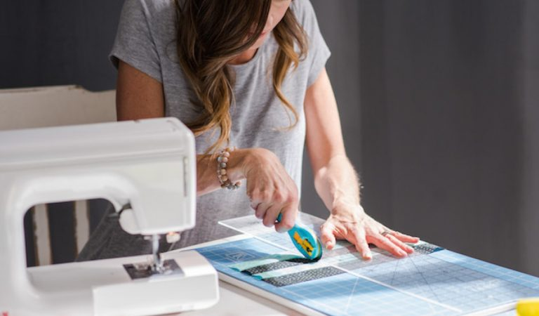 How to Choose and Utilize the Rotary Cutter for Quilting?