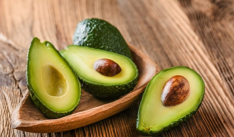 6 Tips to Choose the Perfect Avocados from the Grocery Store
