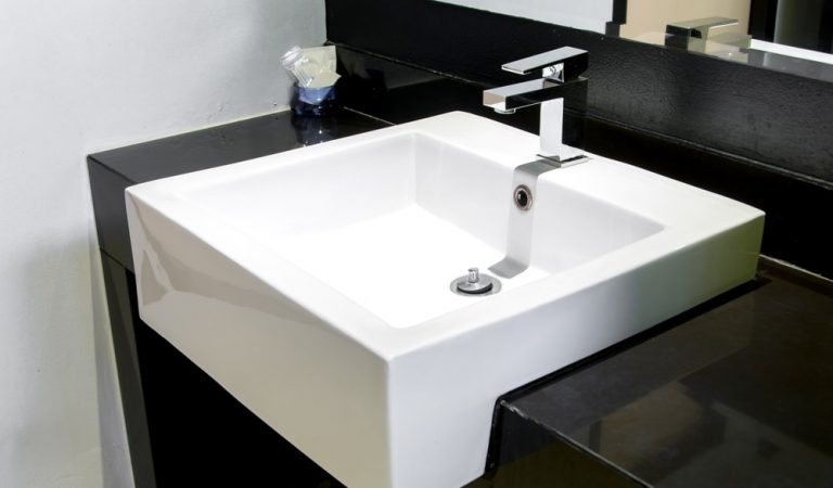The Comprehensive Guide to Bathroom Faucet Elegances