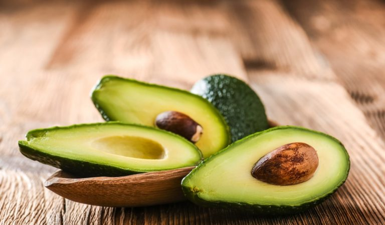 Top 5 Benefits of Consuming Organic Avocados Over Others