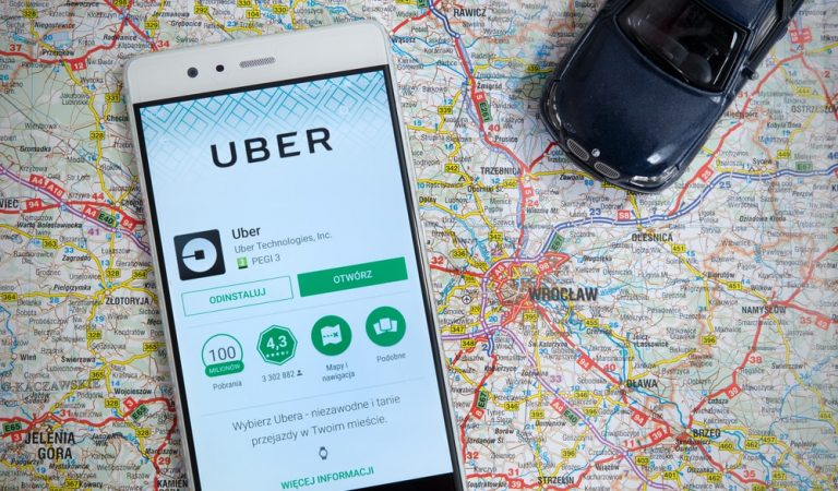 5 Major Factors to Consider Before Developing an Uber-like app
