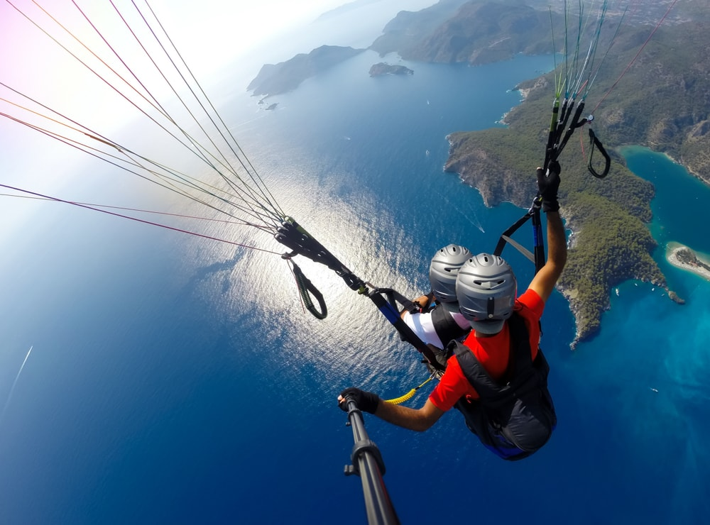Paragliding travel