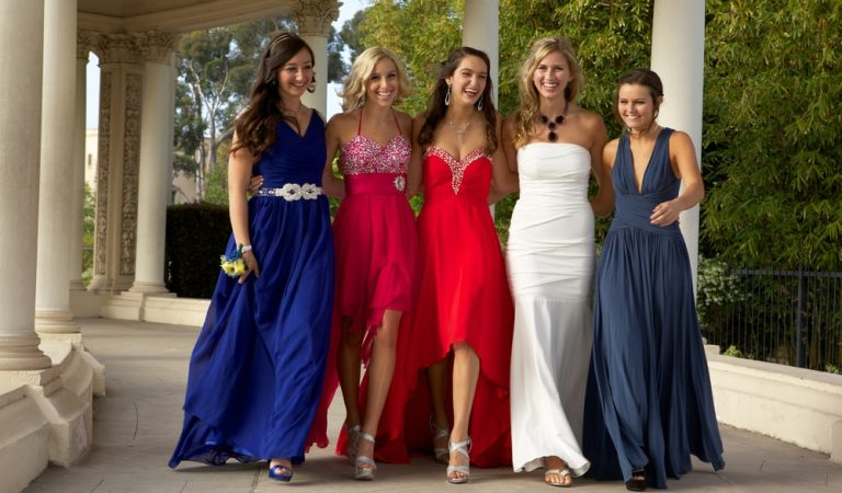Best Prom Dresses for All Body Shapes