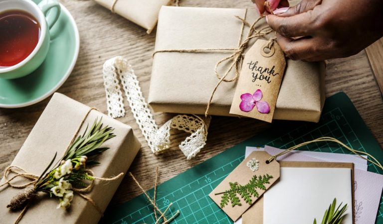 Unique Corporate Gift Ideas to Delight your Colleagues