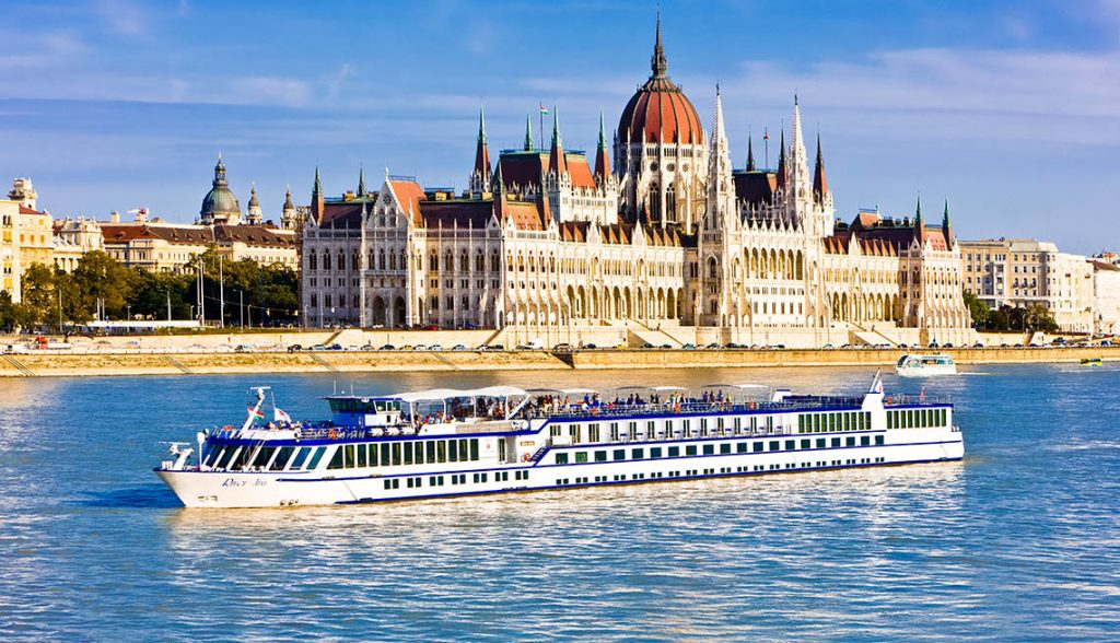 River cruise travel