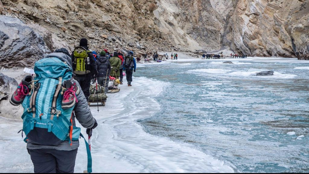 Chadar Trek travel