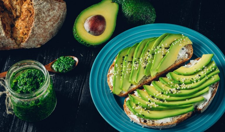 Some Extremely Creative Ways to Eat Avocados