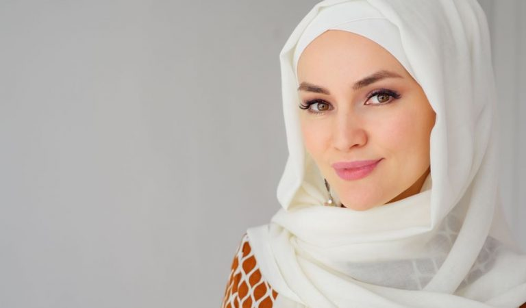 Top 3 Secret Fashion Trends to Glorify Muslim Clothing