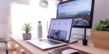 8 Great Gifts for People Who Work From Home