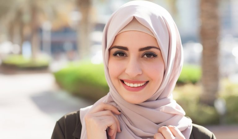 Top 6 Beautiful Reasons Why You Should Wear A Hijab