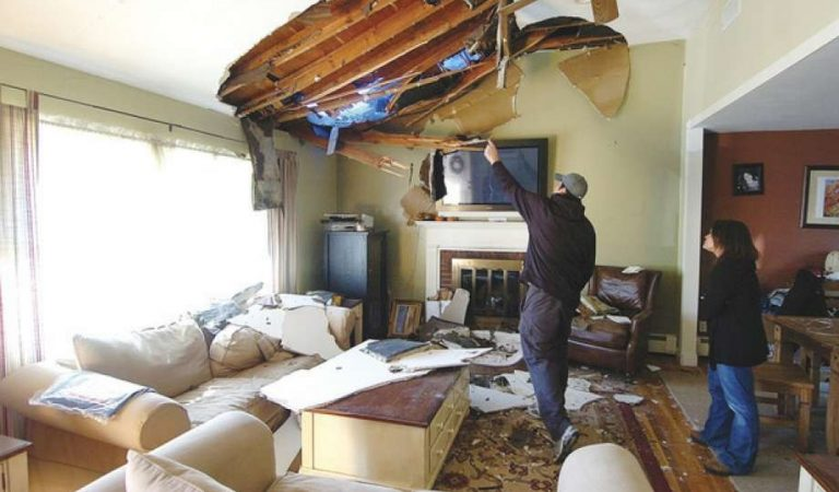 Repair the Water Damage of Your House by Following Certain Tips