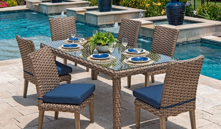 Top Affordable Ways to Decorate Your Outdoor Space