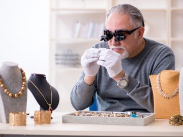 7 Habits of Highly Successful Pawnbrokers