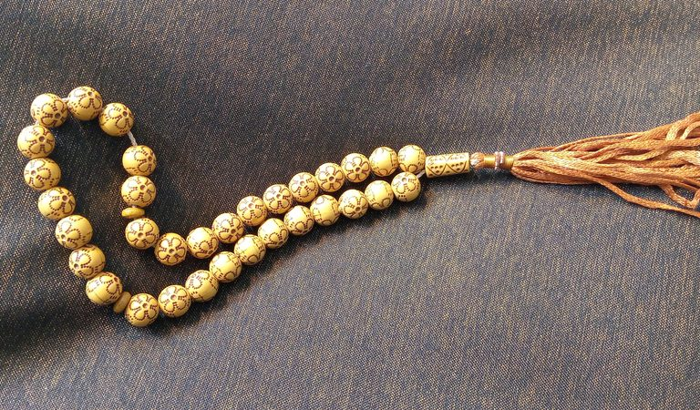 Muslim Prayer Beads: What They Are and What They Do